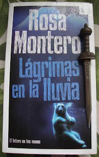 Portada del libro Lágrimas en la lluvia, de Rosa Montero