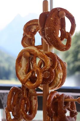 Bavarian pretzels - Birdcage vintage wedding - Irish wedding in Bavaria, Riessersee Hotel Garmisch-Partenkirchen, wedding venue abroad