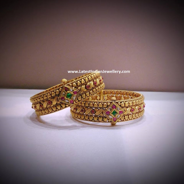 Handcrafted Gold bangles
