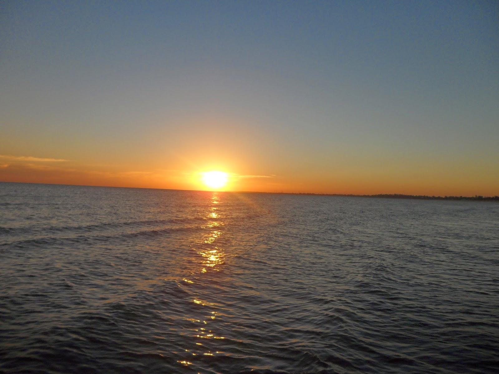 playa sol mar atardecer