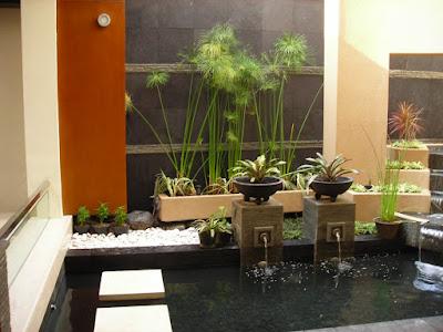 gambar taman rumah minimalis dengan kolam mini