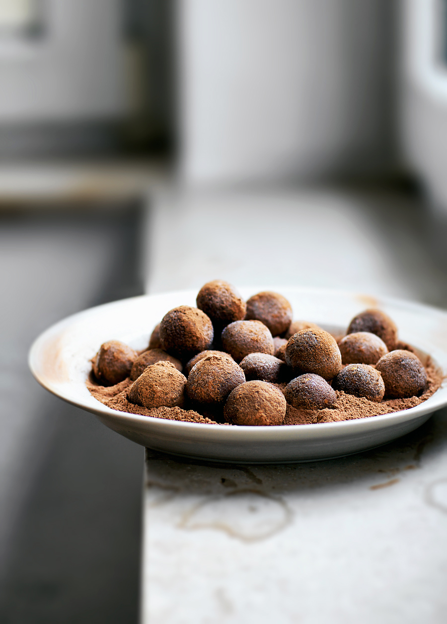 Nut free sunflower seed energy bites with dates and raw cacao make a great quick snack for whenever you need an energy boost. These budget friendly bites are a whole food staple and ideal for very busy or active people.