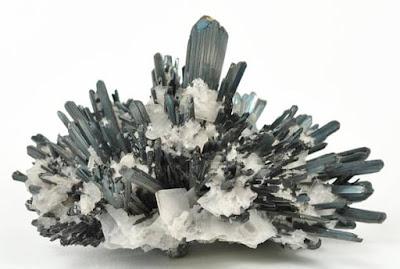 Stibnita - Los diez minerales mas peligrosos del mundo