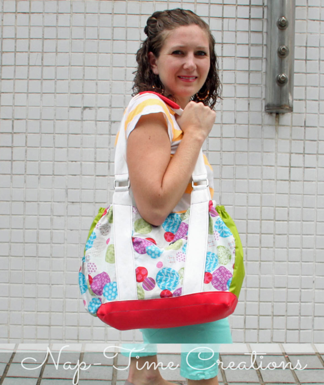 Learn how to make a roomy shoulder bag with lots of pockets. Tutorial by Life Sew Savoury.