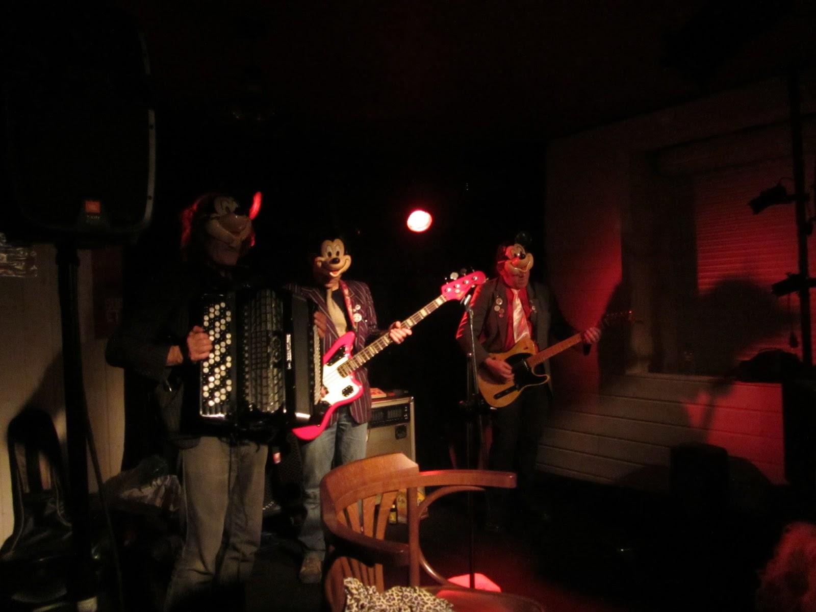 L'Audomarois, bar-tabac bistrot culturel de proximité à St-Omer-de-Blain 44 – 20 mars 2015 – St-Patrick - concert : The Massacror's, rock'n'roll français.