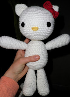 PATRON HELLO KITTY AMIGURUMI 3172