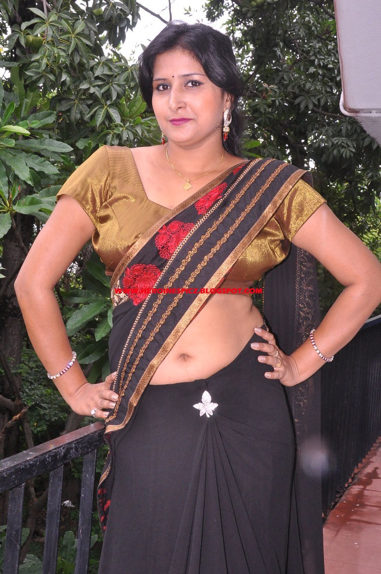 long hair indian style indian heroins new kushboo spicy 6449 | www.heroinespicz.blogspot (2)