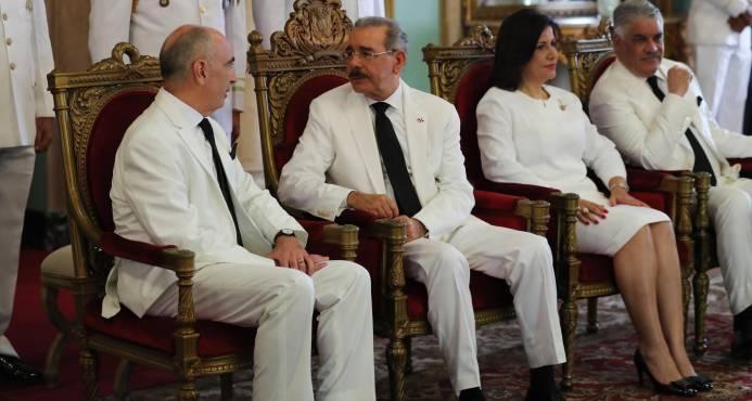 """Danilo Medina: """"Yo hablo""""; Margarita dice que es inteligente administrar el silencio"""