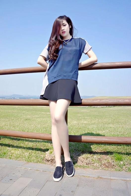 Tháng Sáu Trời Xanh Lam