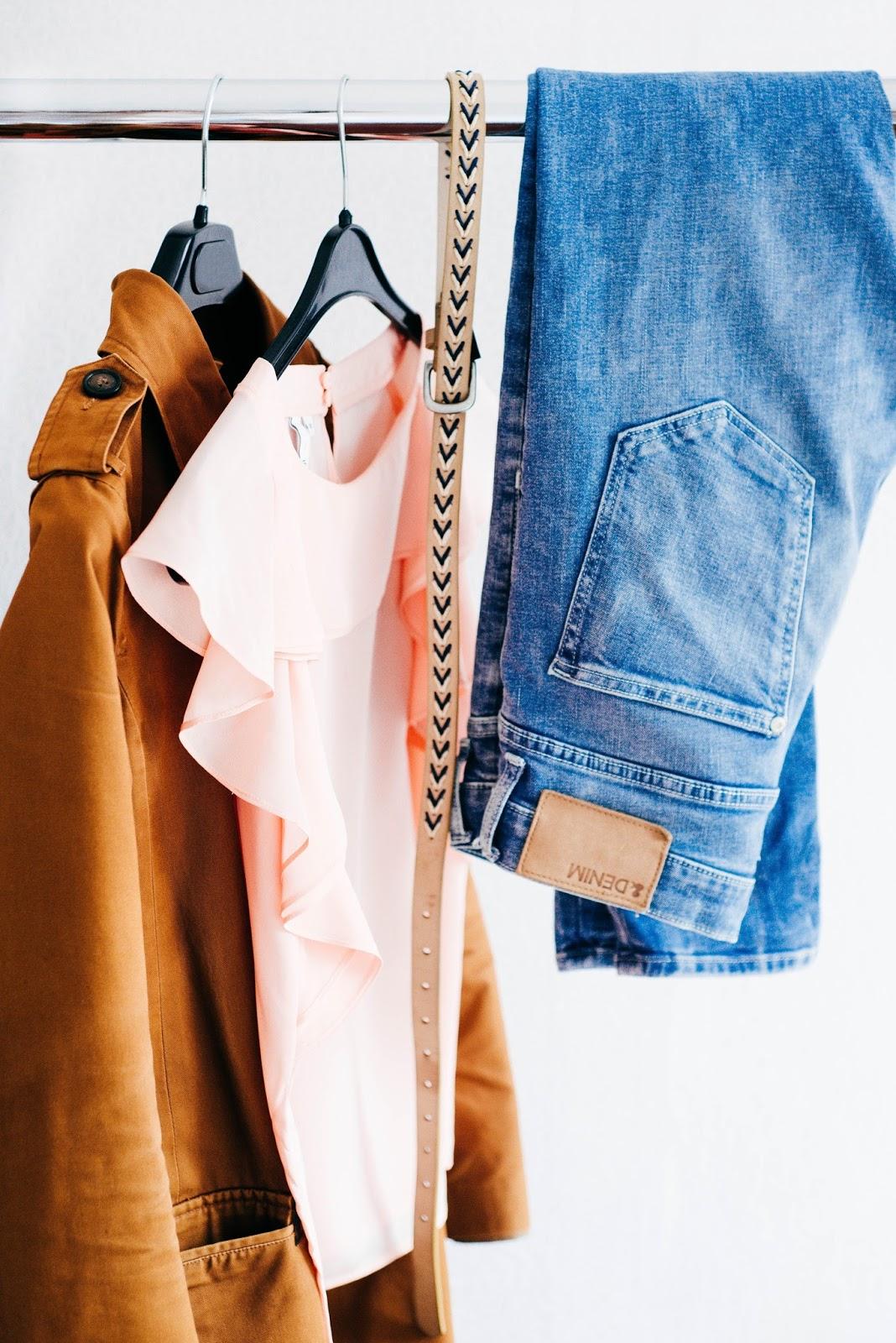 clothing-organization-closet
