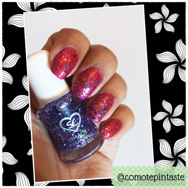 Esmalte con glitter violetas colocados sobre base roja