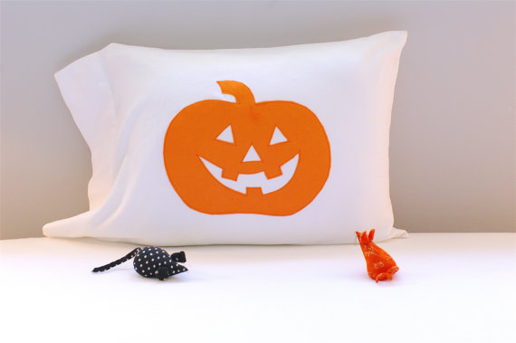 DIY, pumpkin, pillowcase, goodie bag, treat bag, jack-o-lantern, jackolantern, Halloween, treat sack