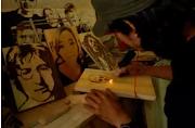 Warga Belanda dan Jepang Meminati Karya Seni Lukis Bakar Asal Sukabumi