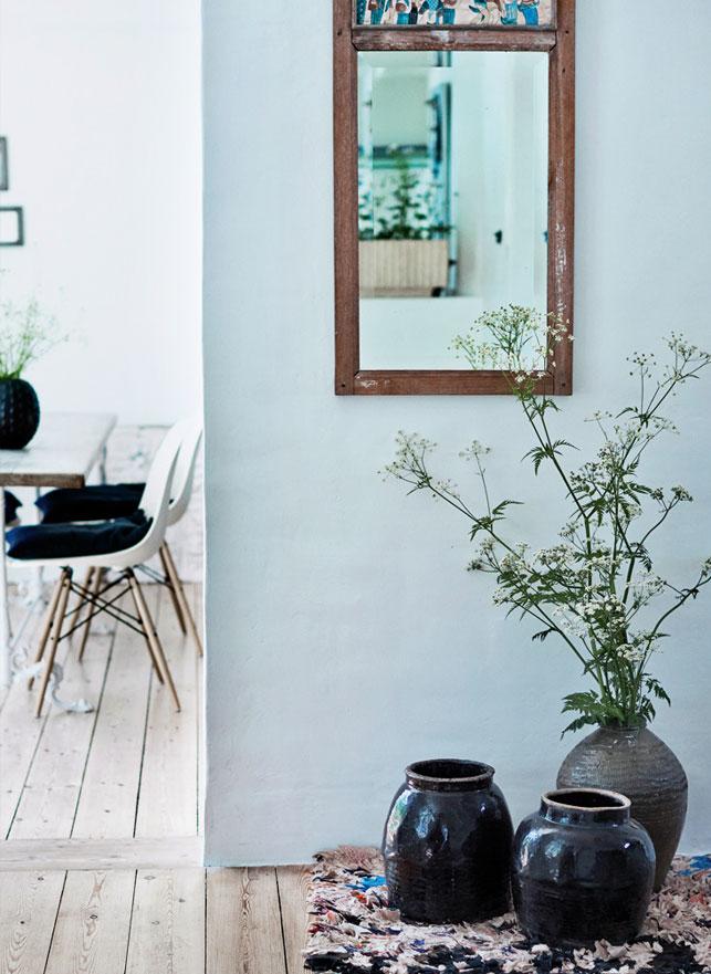 une maison danoise qui nous fait voyager. Black Bedroom Furniture Sets. Home Design Ideas