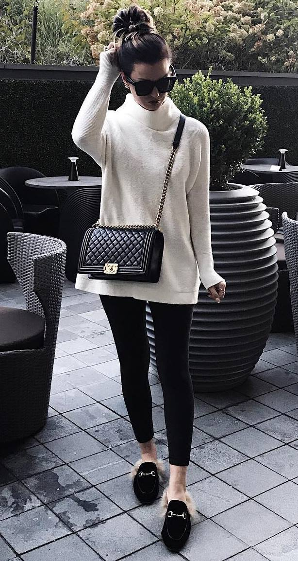 simple fall outfit | crossbody bag + sweater + black leggings + loafers