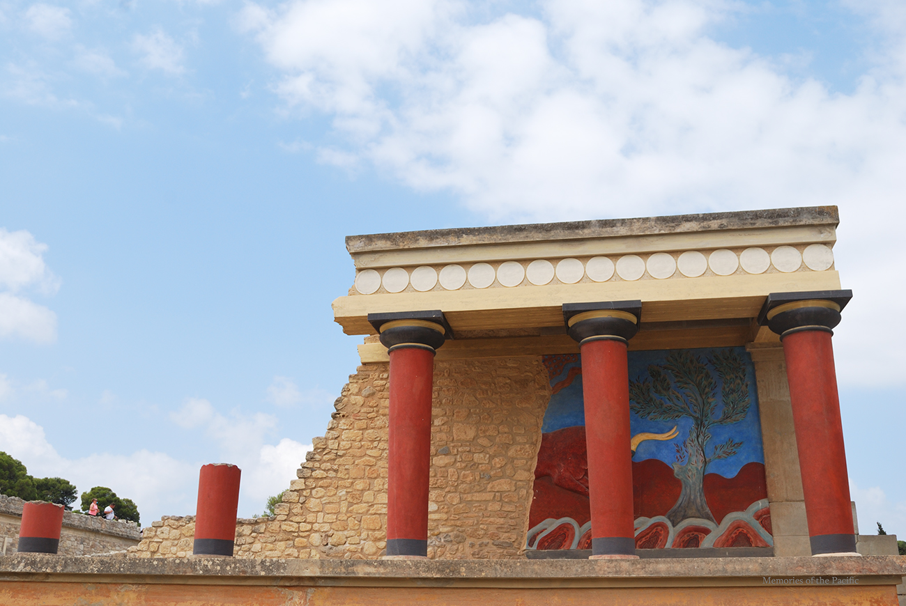 knossos palace heraklion crete greece history travel