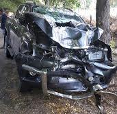 Director distrito municipal Las Clavellinas sufre accidente entre Villa Jaragua y El Estero.