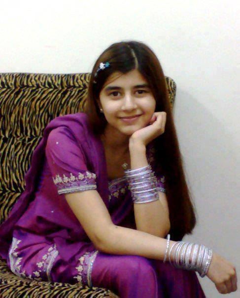 Actress And Girls Pictures Beautiful Face In Pakistan-5261