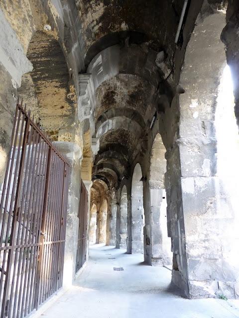 Detalle galerías del Anfiteatro de Nimes