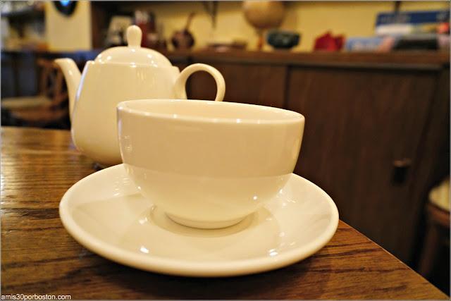 Tetera y Taza del Bosie Tea Parlor en Nueva York