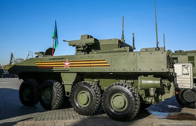 Броневая машина пехоты К-17 «Бумеранг» перед парадом Победы