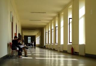 Μαζική επιστροφή βιβλίων θρησκευτικών σε Γυμνάσια των Τρικάλων
