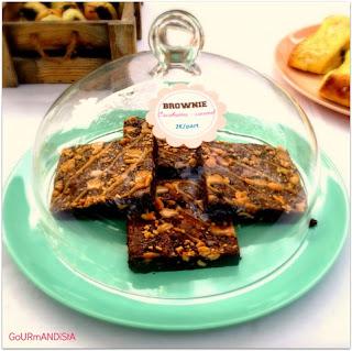 image Brownie façon Snickers : chocolat, cacahuètes et caramel