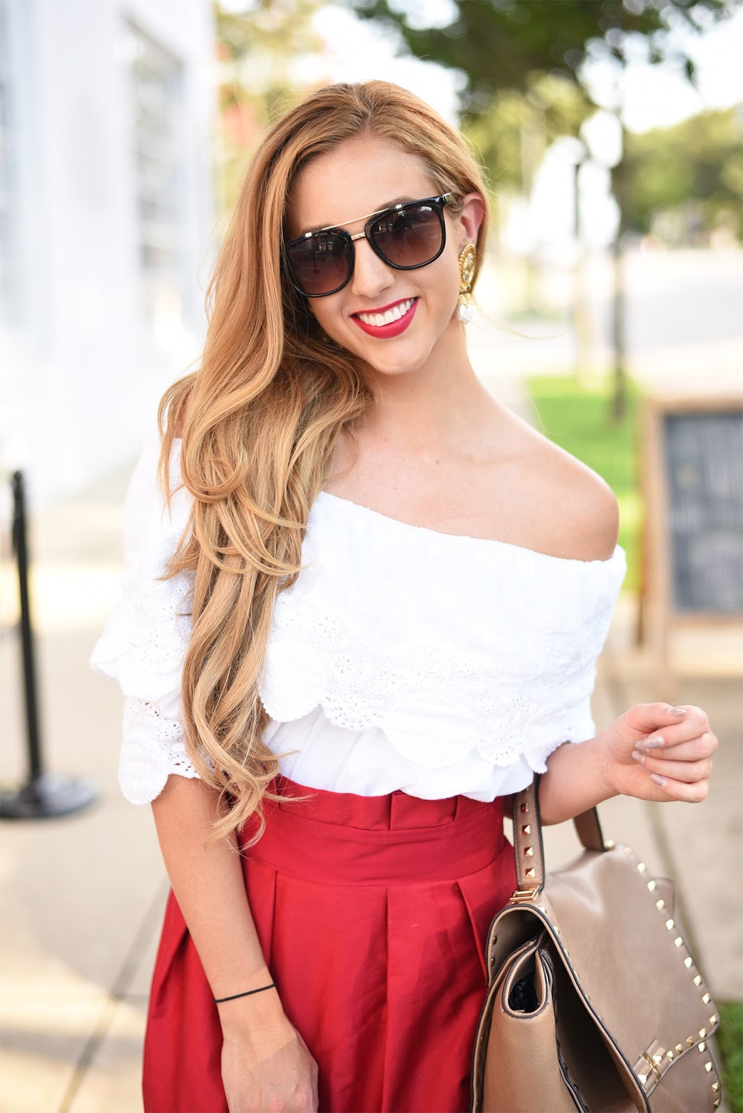 Fashion-blogger-red-lip-off-the-shoulder-top-street-style