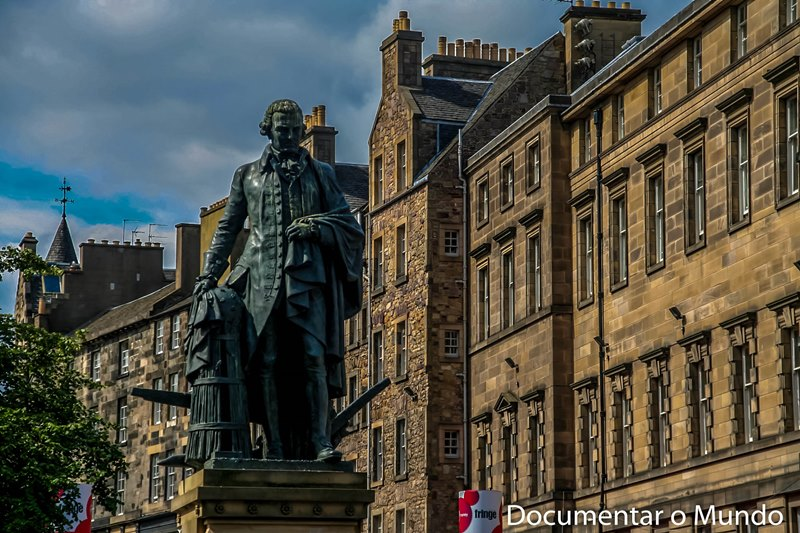 Estátua de Adam Smith; Royal Mile; Edimburgo