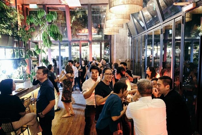 Max's Kabisera at Bonifacio Global City; 5 Foodie Place You Must Visit In BGC