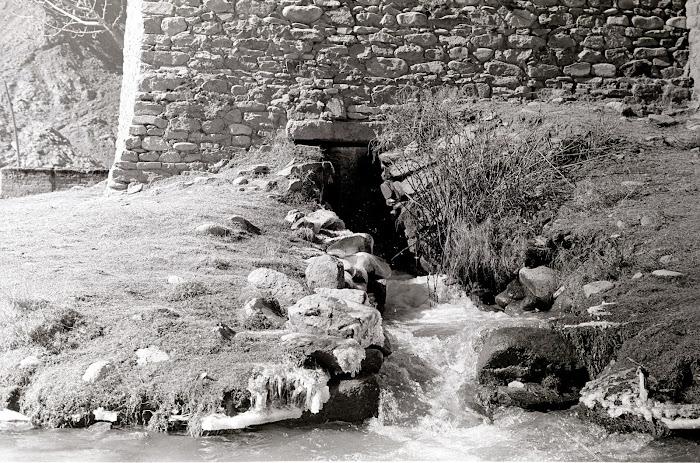 Tibet, Quxu, moulin, © L. Gigout, 1990