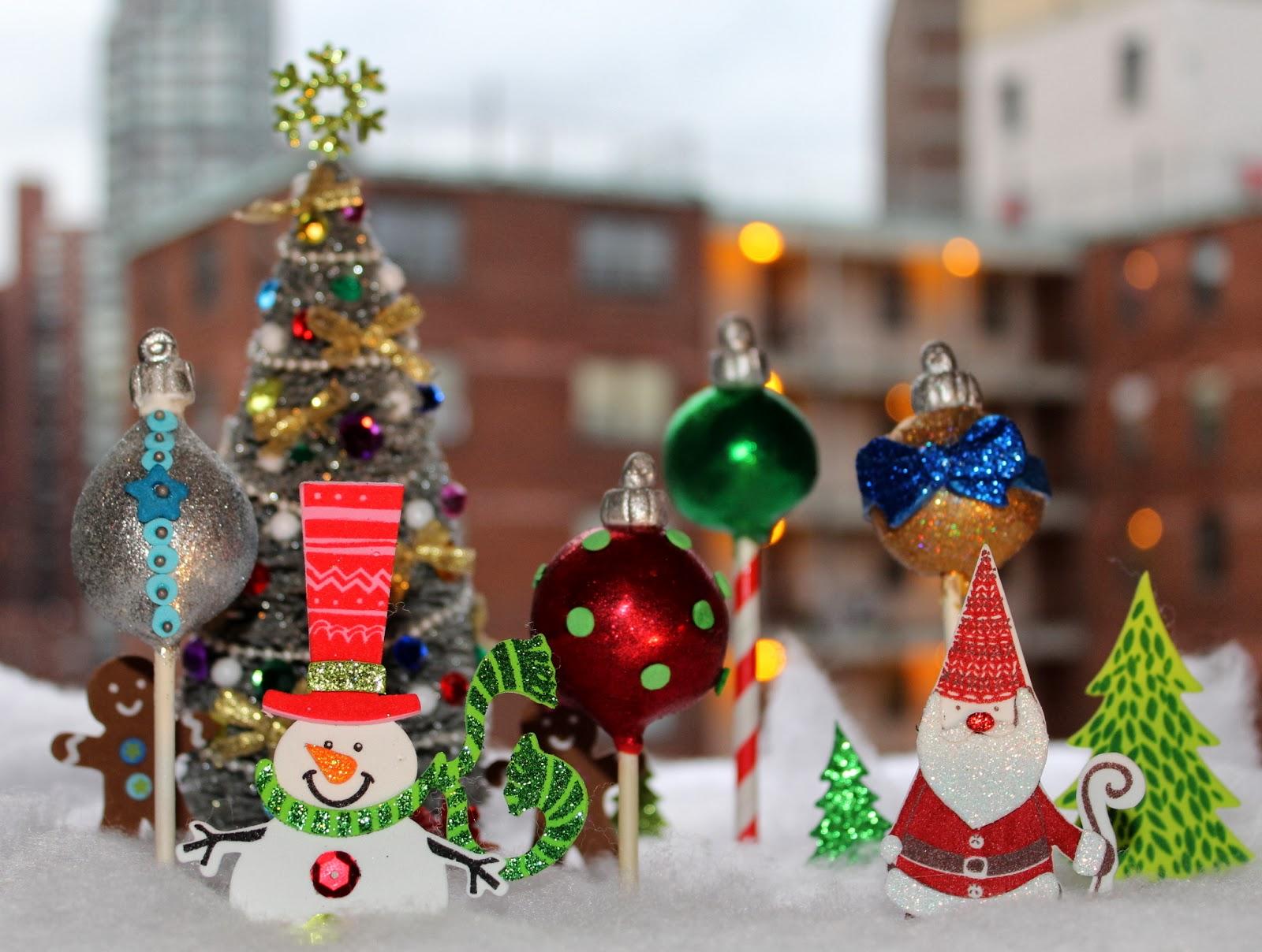 Christmas Ornaments Cake Pops - Pint Sized Baker