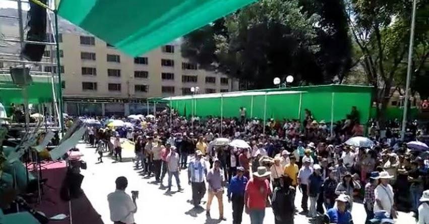 Docentes en huelga interrumpen celebraciones por aniversario de Huánuco