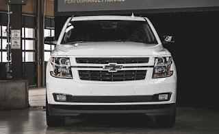 Chevrolet Suburban RST 2018: refonte, date de sortie