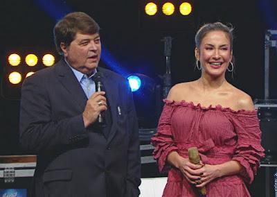 """O apresentador José Luiz Datena e Claudia Leitte no """"Agora é Domingo"""" - Divulgação/Band"""