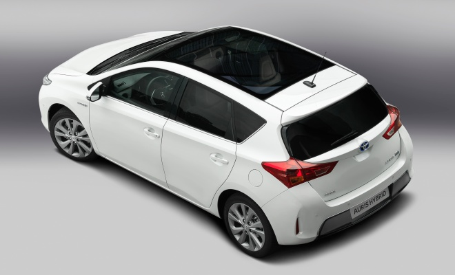 2013 Auris Hybrid: above rear