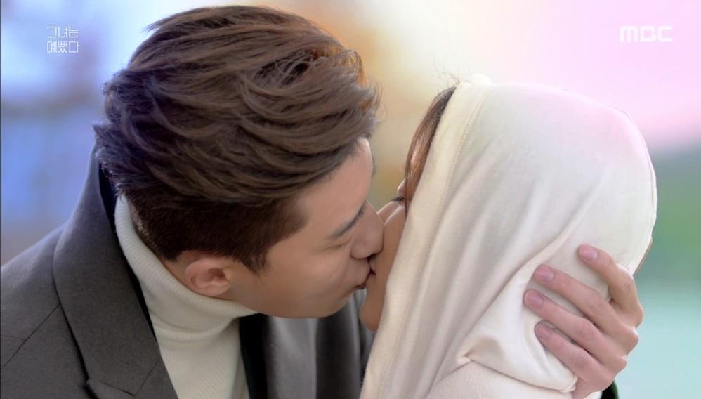Nhiều cặp đã hôn nhau trong lần hẹn đầu tiên - như thế có vội quá không