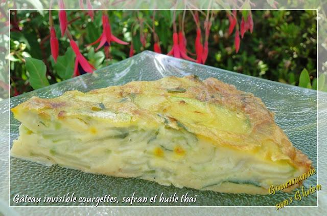 Gâteau invisible aux courgettes, safran et huile thaï