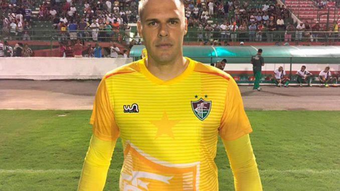 Fluminense de Feira tem um jogo decisivo hoje à noite quando no Estádio Jóia  da Princesa enfrenta o Esporte Clube Vitória pela última rodada da fase de  ... e31617c617376