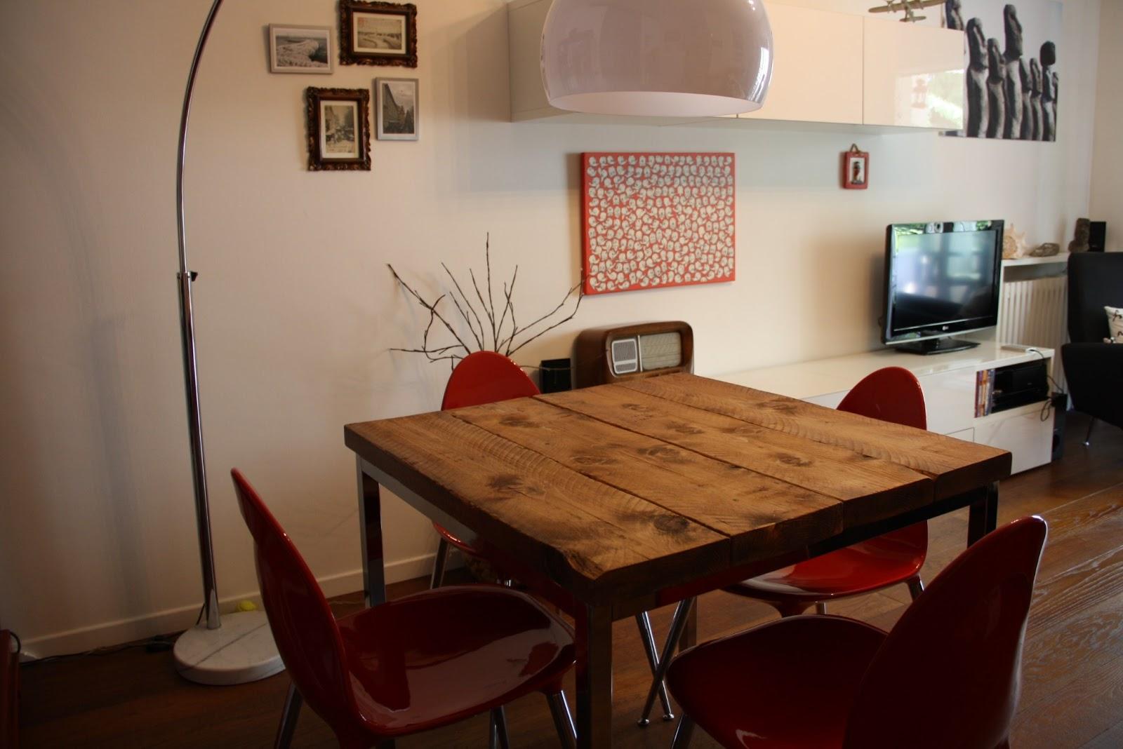 Il baule delle idee un tavolo dal sapore vintage vissuto for Tavolo quadrato
