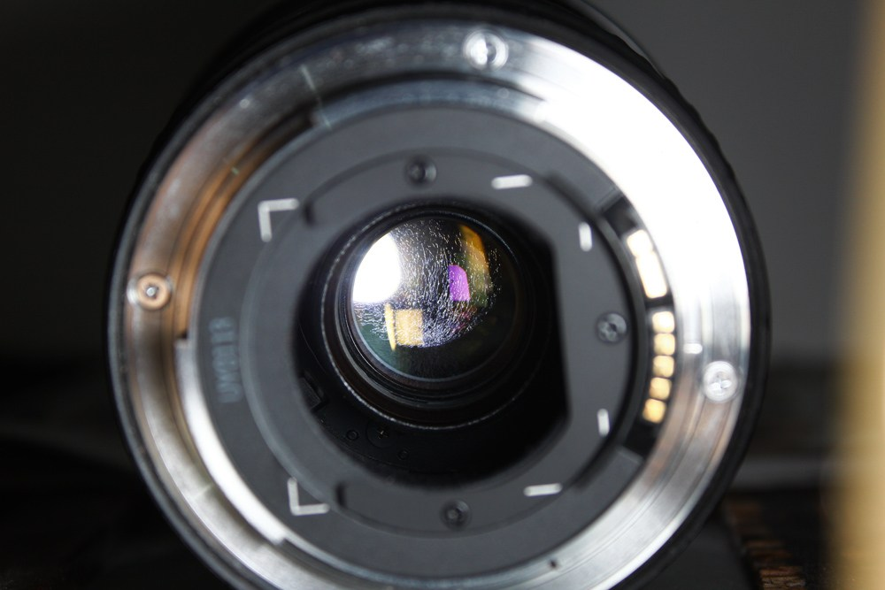 Cara Membersihkan Jamur ringan pada Lensa Kamera DLSR | Blog ...