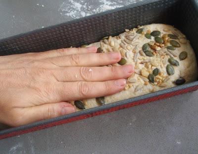elaboración de pan con semillas
