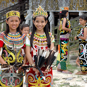 3 Baju Adat Kalimantan Utara - TradisiKita