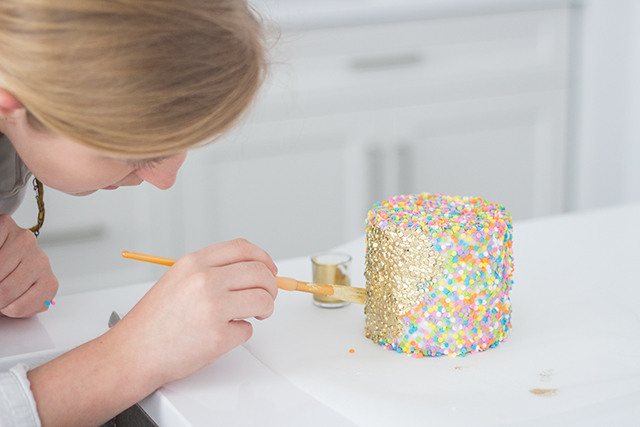 How to DIY a stunning ruffled party cake // Gorgeous gold and blush cake tutorial.