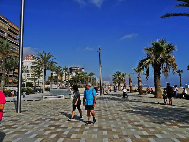 deptak w Playa San Juan okolice Alicante