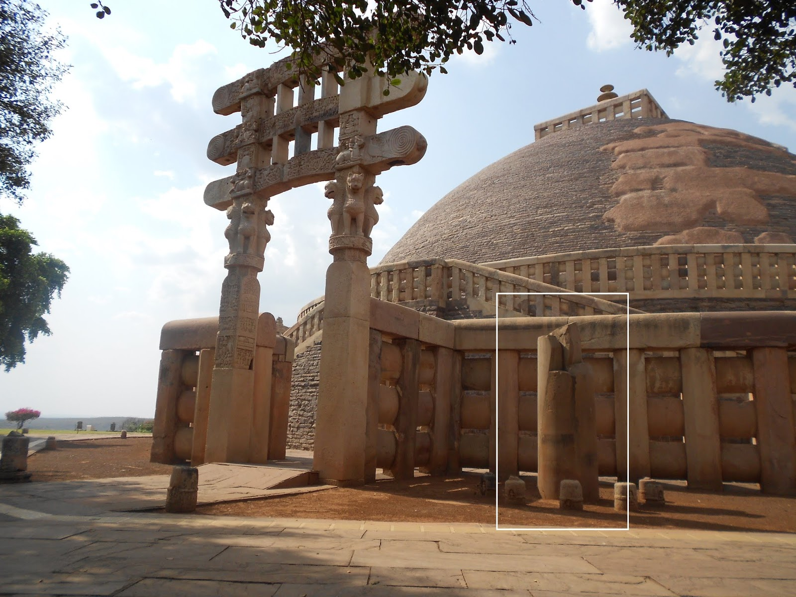 Define Diwani Rights Pillars And People At Sanchi India S Past