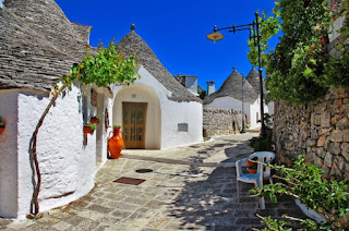 Unique Trulli houses with conical roofs in Alberobellodd Puglia