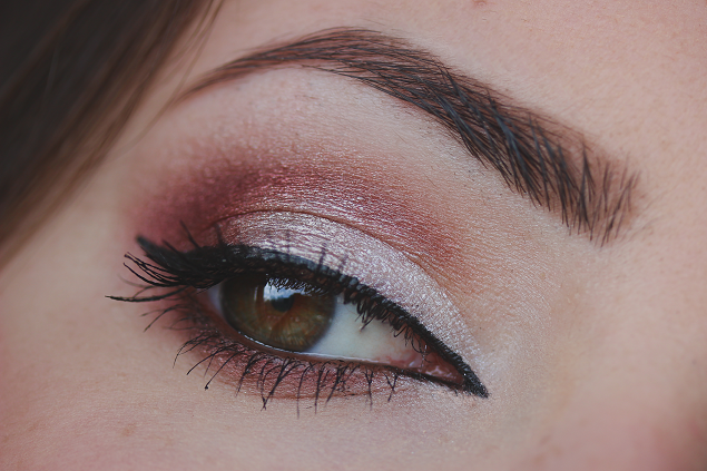 silver and mauve makeup