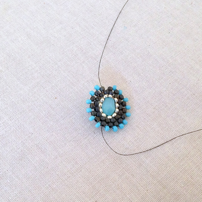 Adding a picot edge to beaded component, free tutorial