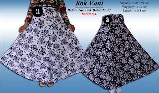 Model rok panjang muslimah cantik dengan motif bunga